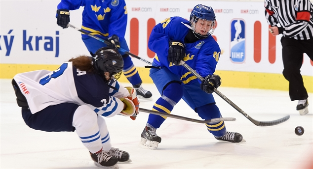 Olsson leads Swedes to semis