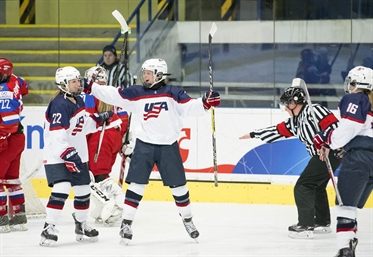 USA out-classes Russia 6-0